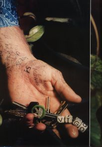 Viggo Mortensen in Flaunt, April 1999 - p 1