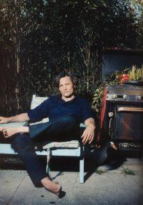 Viggo Mortensen in Flaunt, April 1999 - p 3