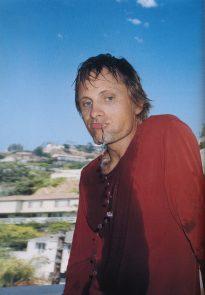Viggo Mortensen in Arena Homme Oct 2002, p5