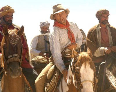 Hidalgo and Frank (Viggo Mortensen) at the starting line for the Ocean of Fire race