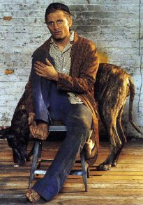 Viggo Mortensen in L'uomo Vogue April 2004 p5 (detail)