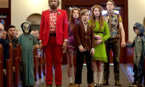 Shree Crooks, Viggo Mortensen, Samantha Isler, Nicholas Hamilton, Annalise Basso, George MacKay, & Charlie Shotwell in Captain Fantastic