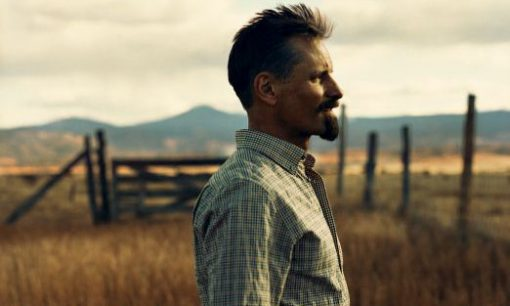 Viggo Mortensen in New Mexico field